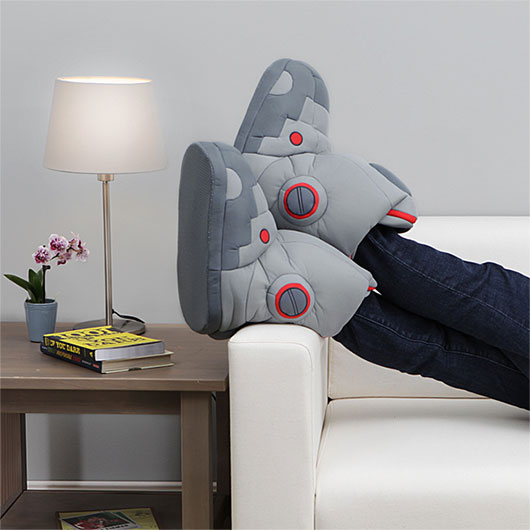 ThinkGeek_Robot_Slippers-2